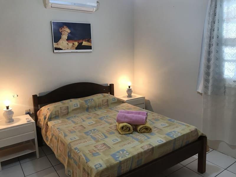 Quarto, Apartamento 6 pessoas - Residencial Araras - Praia de Ponta das Canas - Florianópolis - Brasil