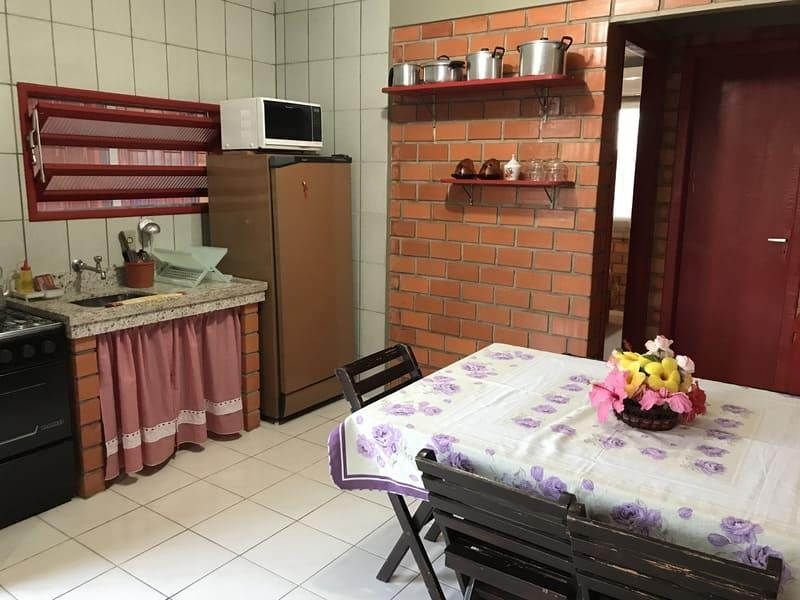 Cozinha Apartamento 4 ou 5 pessoas - Residencial Araras, Praia de Ponta das Canas, Florianópolis, Brasil (2)